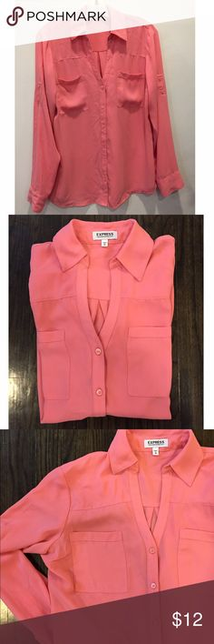 🆕EXPRESS PORTOFINO SHIRT IN BOLD PINK EXCELLENT CONDITION. EXPRESS PORTOFINO BLOUSE BUTTON DOWN. DOUBLE POCKET FEATURE AS WELL AS SLEEVE BUTTONS TO STYLE AS ROLLED UP SLEEVES. SMOKE/PET FREE HOME. SHIPS FAST FROM NYC!!! Express Tops Button Down Shirts
