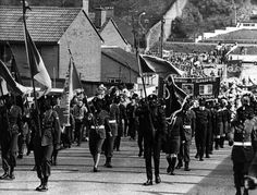 Units of the Derry Brigade of the Irish Republican Army parade through Derry City, British Occupied North of Ireland, Derry City, Northern Ireland Troubles, Irish Independence, Irish Republican Army, Fighting Irish, Military History, Celtic, The Unit, Fantasy
