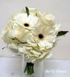 Wedding Flowers - Bridemaids bouquet of hydrangea, roses and gerbera.