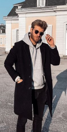 20 Amazingly Cool Fall Outfits for Men to try in Black Overcoat, Hoodie and Tee Outfit Mens Fall Outfits, Stylish Mens Outfits, Casual Fall Outfits, Best Winter Outfits Men, Men Winter Fashion, Fashion For Men, Cool Outfits For Men, Winter Wear Men, Man Winter Style