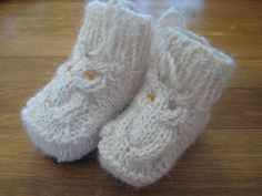 Knitted Hooties Owl Booties with Free Pattern