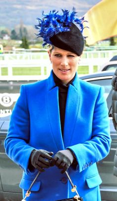 The Princess Royal, Autumn Phillips and Zara Tindall took in the final day of racing at the Cheltenham Festival, all in new hats. Princess Anne topped her navy suit and green wool wrap with a navy … Zara Fashion, Royal Fashion, Zara Hats, Autumn Phillips, Zara Looks, Fascinator Hats, Fascinators, Zara Phillips, Race Wear
