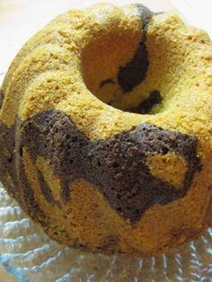 Tama ohje on otettu joskus 90-luvulla Valion reseptivihkosesta ja on vielakin kaikkein parhain resepti johon olen tormannyt. Talla kakulla saa aina kehuja ja samalla vaivalla tekee useamman pakastimeen. Kasvisruoka. Reseptiä katsottu 50632 kertaa. Reseptin tekijä: Azura. Fruit Bread, Cafe House, Baked Donuts, Little Cakes, Sugar Rush, Trifle, Coffee Cake, Bagel, Doughnut