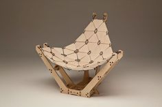 Pietro Leoni, Chaise Longue selected by the Domus Autoprogettazione competition jury Cat Furniture, Furniture Projects, Wood Projects, Furniture Design, Furniture Removal, Carpentry Projects, Luxury Furniture, Plywood Chair, Plywood Furniture