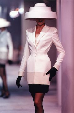 Thierry Mugler Ready-to-wear Collection - Spring/Summer 1998