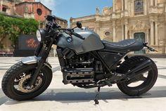 In un mondo di moto customizzate per l'aperitivo, basta addentrarsi in un'officina di Acireale per tornare all'essenziale