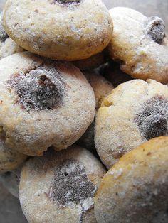 As receitas lá de casa: Biscoitos de avelã com chocolate