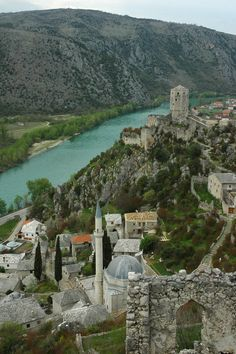 Pocitelj, Bosnia and Herzegovina. The historic urban site of Počitelj is located on the left bank of the river Neretva, on the main Mostar to Metković road. Places Around The World, The Places Youll Go, Travel Around The World, Places To See, Around The Worlds, Montenegro, Wonderful Places, Beautiful Places, Bósnia E Herzegovina