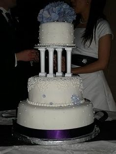 one of the better looking cakes with columns