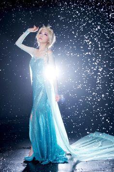 Frozen Princess Queen elsa Adult Glitter Jewel Dress Cape Costume back Zipper S Frozen Cosplay, Elsa Cosplay, Disney Cosplay, Anime Cosplay, Princess Elsa Dress, Frozen Princess, Disney Frozen Elsa, Frozen Queen, Best Prom Dresses