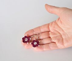 Handmade Crochet Earrings  Burgundy  White Beads por ReddApple, $10.00