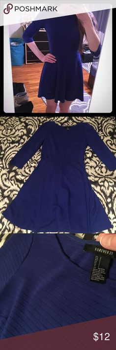 "Forever 21 fit and flare dress Good condition, there is some minor pilling throughout the fabric. Not noticeable when wearing. Runs pretty true to size. Bust about 17"" flat, waist 13.25"", length 34.5"" Forever 21 Dresses"