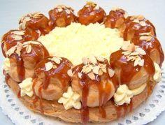 Szent Honoré torta Óh, de rég óta szeretnék ilyet Hungarian Cake, Hungarian Recipes, Ital Food, European Dishes, Bistro Food, Sweet And Salty, Cakes And More, Cupcake Recipes, Sweet Recipes