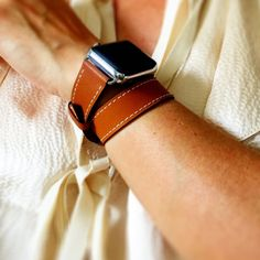 Brown hand-stitched Apple watch leather double tour band with OPTION for silver, gold, rose gold, space gray or black hardware.This band has off-whitestitching