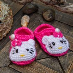 Baby girl hand crochet hello kitty booties crochet by CrochetSwell Hello Kitty Shoes, Hello Kitty Baby, Crochet For Kids, Hand Crochet, Free Crochet, Crochet Baby Shoes, Crochet Baby Booties, Hello Kitty Crochet, Baby Booties Free Pattern