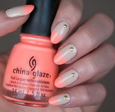 Nude and coral gradient.