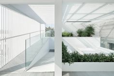 ReMIX Studio's Shunyi House extension features louvred cladding and an all-white interior Contemporary Architecture, Landscape Architecture, Interior Architecture, Interior And Exterior, Interior Design, Sustainable Architecture, House Extensions, White Houses, Architect Design