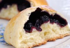 Brioches polonaises aux myrtilles - Nos recettes violettes aux myrtilles - Femme Actuelle
