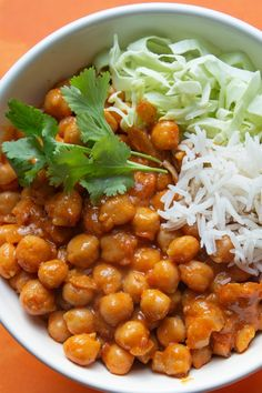 Pomidorowe curry z ciecierzycą Ayurveda, Vegetarian Recipes, Cooking Recipes, Nutritious Meals, Lunches And Dinners, Tasty Dishes, Clean Eating, Food Porn, Food And Drink