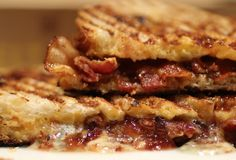 Grilled cheese + bacon = grilled steeze. Brought to you by Melt Shop in #NewYork Gluten Free Restaurants, Nyc Restaurants, Best Grilled Cheese, Grilled Cheeses, Bacon Breakfast, Sandwiches For Lunch, Delicious Desserts, Food Porn