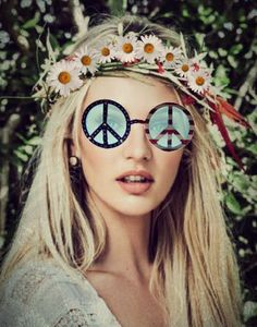 FREE SHIPPING, Round red white blue american flag peace sign novelty sunglasses w/ rhinestones & glitter 4th of july hippie hippy style