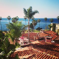 My view for the next three hours :) No plans? Come down to La Valencia Hotel in La Jolla tonight! Ill be singing from 5-8pm in the La Sala lounge! #livemusic #lajolla #lavalenciahotel