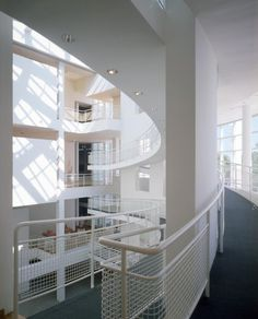 Image 2 of 14 from gallery of AD Classics: High Museum of Art / Richard Meier & Partners Architects. Courtesy of richard meier & partners architects ©scott frances esto Richard Meier, Richard Neutra, Modern Architects, Famous Architects, High Museum, Art Museum, Interior Architecture, Interior Design, Chinese Architecture