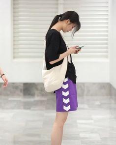 Asian Street Style, Bts Taehyung, Tik Tok, Couple Goals, Ulzzang, Girl Outfits, Poses, Couple Photos, Couples