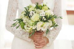 Znalezione obrazy dla zapytania bukiet ślubny biały kremowy