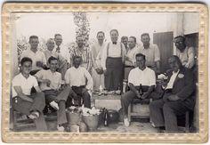 Figura 17. (Página 97).- Almuerzo en el campo del Martinenco, en primer plano, Luis Calpena pastor. José María CANDELA GUILLÉN y Felipe MEJÍAS LÓPEZ, La Memoria Rescatada, Vol I, Pag. 181, Aspe, 2011..