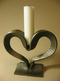 Metal Projects, Welding Projects, Metal Crafts, Type Acier, Wrought Iron Candle Holders, Blacksmith Forge, Blacksmith Projects, Forging Metal, Scrap Metal Art