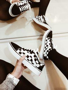 9b3ad7de35 VANS Old Skool 🖤  xadrez  old  oldschool  oldskool  vans  tothewall  black   white  shoes  sneakers