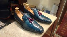 These classic loafers are totally handcrafted from one piece premium quality cowhide leather. Only one joint in leather at the back rest one piece leather. This does not decrease the value at all, but rather, makes the piece unique. Dress Loafers, Leather Dress Shoes, Loafer Shoes, Loafers Men, Men's Shoes, Shoes Men, Oxfords, Office Shoes, Men Office