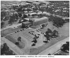 Flow Hospital on Scripture St., Denton Tx, ca. This area is now covered with apartments for UNT students. County Hospital, Memorial Hospital, Denton Texas, Denton County, Nurse Betty, Texas History, Historical Photos, Old Photos, Bing Images