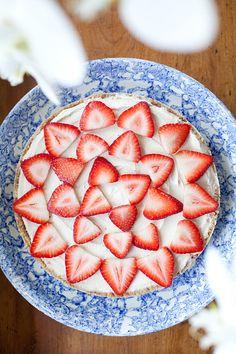 Vegan Strawberry Cheesecake | ourfourforks.com | #vegan #glutenfree #recipe
