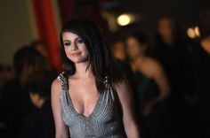 Pictures & Photos of Selena Gomez - IMDb
