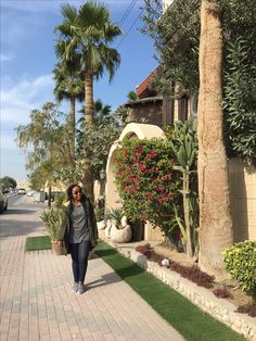 ~Bahrain Tour #joliethrone #fashionblogher #kenyanblogger #ootd #styleinspo #fashion #style #chic  #travel #bahrain Personal Style, Sidewalk, Ootd, Tours, Chic, Travel, Fashion, Shabby Chic, Moda