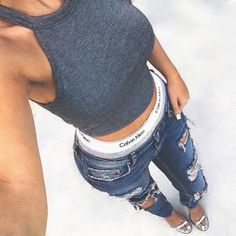 Casual Street Outfit Style fashion style denim ripped jeans fashion and style calvin klein Cropped Tops, Denim Fashion, Fashion Outfits, Womens Fashion, Classy Fashion, Style Fashion, Boyfriend Jeans, Mode Shoes, Casual Outfits