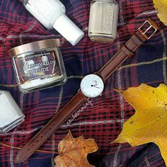 """Some essentials on this very cold Fall day here in NJ.  Watch: Classy St. Mawes watch from  @danielwellington Danielwellington.com (use code """"NAILSTORMING"""" for 15% off!) - Candle: Marshmellow Fireside mini from Bath & Body Works  Polish: Essie  Scarf: @francescascollections by nailstorming"""