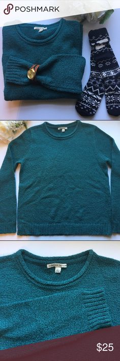 """Carolyn Taylor // Roll Crewneck Marbled Sweater Curl up in this sweater from Carolyn Taylor. Extra soft material in a marbled teal and blue color. Rolled neckline. Has been worn but in great condition.   93% acrylic 7% polyester   Measurements: bust 40"""" Waist 40"""" Hips 40"""" Length 24"""" Sleeve length 26"""" Carolyn Taylor Sweaters Crew & Scoop Necks"""