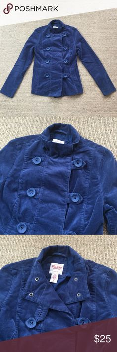 Mossimo Supply Co Blue Utility Jacket M Gently to well worn condition. No known flaws. Shell is 100% Cotton. Body lining is 65% Polyester and 35% Cotton. Sleeve lining is 100% Polyester. 🐾 Pet-friendly, smoke-free home. 🚫 No trades. No holds. 📦 Fast shipping! 🙋🏻 Considering all reasonable offers! Mossimo Supply Co Jackets & Coats Utility Jackets