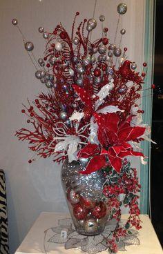 arreglo de flores rojo con plateado- navidad