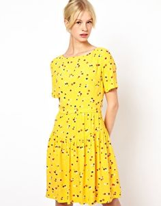 Boutique by Jaeger Dress with Short Sleeve in Floral Cluster Print