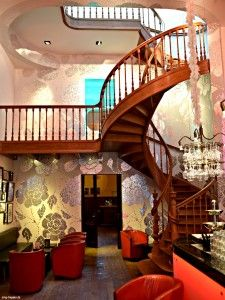 Haus Zinkel Winkel in #Ütrecht- Photo by #smgtreppen ... #treppe #treppen #stairs #treppenbau #holztreppen #escaleras #stahltreppen #achitektur #awesome #wirdenkenmit #treppenhaus
