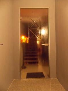Drzwi fusingowe z motywem nowoczesnym z manufaktury Riwal. Fusing. Fused glass.