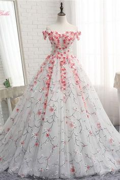 White tulle applique long prom dress, white tulle evening dress W. White tulle applique long prom dress, white tulle evening dress White tulle applique long prom dress, white tulle evening dress, customized service and Rush order are available Sweet 16 Dresses, Elegant Dresses, Pretty Dresses, Formal Dresses, Awesome Dresses, Formal Prom, Quince Dresses, Ball Dresses, Evening Dresses