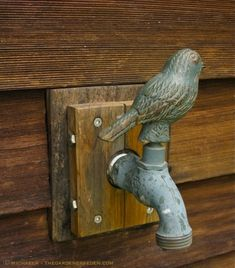 When we moved in to our little old house, I found a little faucet just like this in the garden. (:l:)