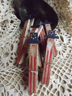 Memorial Day Crafts For Kids Discover Patriotic Primitive Uncle Sam Clothespin Americana Decor Americana Home Decor, Americana Crafts, Patriotic Crafts, Primitive Crafts, Country Primitive, Primitive Stitchery, Primitive Patterns, Primitive Snowmen, Country Crafts