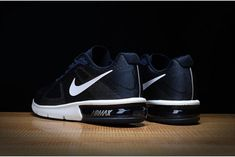 buy popular d8540 0fb6d In Vendita Scarpa Nike Air Max Sequent Dark Blu Bianco Running Uomo