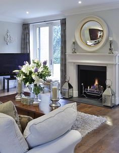 Nadire Atas on Sleek Elegant Home Decor Beautiful parlor room. I would put a piano where the TV is, though :) Design Living Room, Home Living Room, Living Room Decor, Living Spaces, Classy Living Room, Apartment Living, Living Room Inspiration, Home Decor Inspiration, Decor Ideas